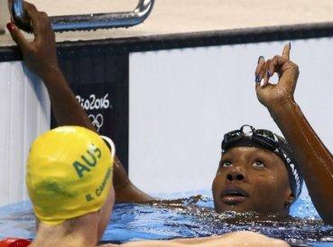 nadadora-cristiana-conquista-oro-entrego-toda-gloria-a-dios_369x274_exact_1471025282