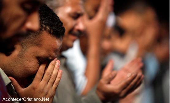 cristianos-iraquies-orando